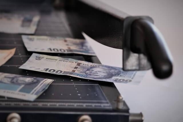 pieniądze - koszty sprawy spadkowej